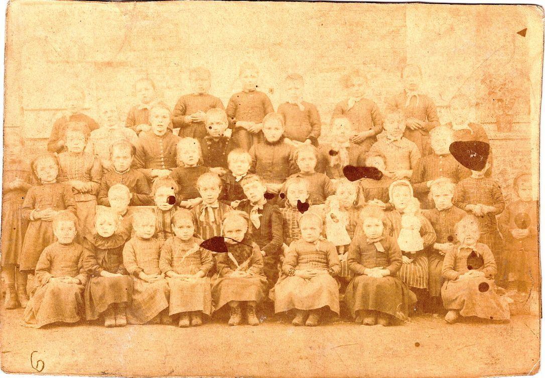 La plus vieille photo de groupe scolaire - Vieille carte scolaire ...